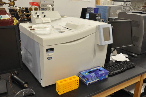 Perkin Elmer Clarus 500GC machine