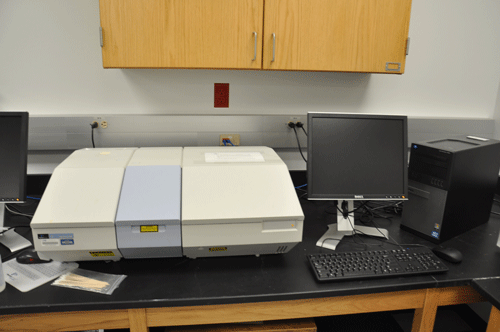 Perkin Elmer Spectrum BX FTIR machine