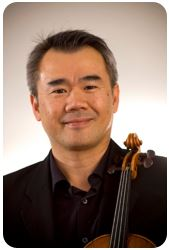 Simon Shiao posing with violin