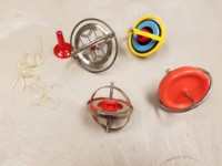 Toy gyroscopes
