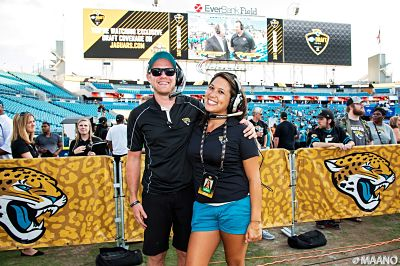 UNF students working at Jaguars game