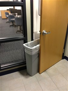 Trash Can door prop