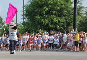 UNF Sport Management and others help Girls on the Run