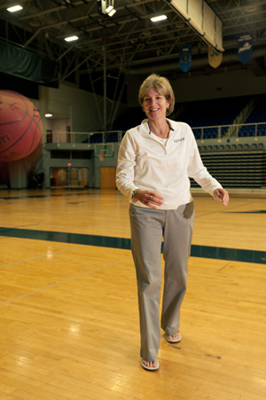 Coach Mary Tappmeyer (Photo by Dennis Ho).
