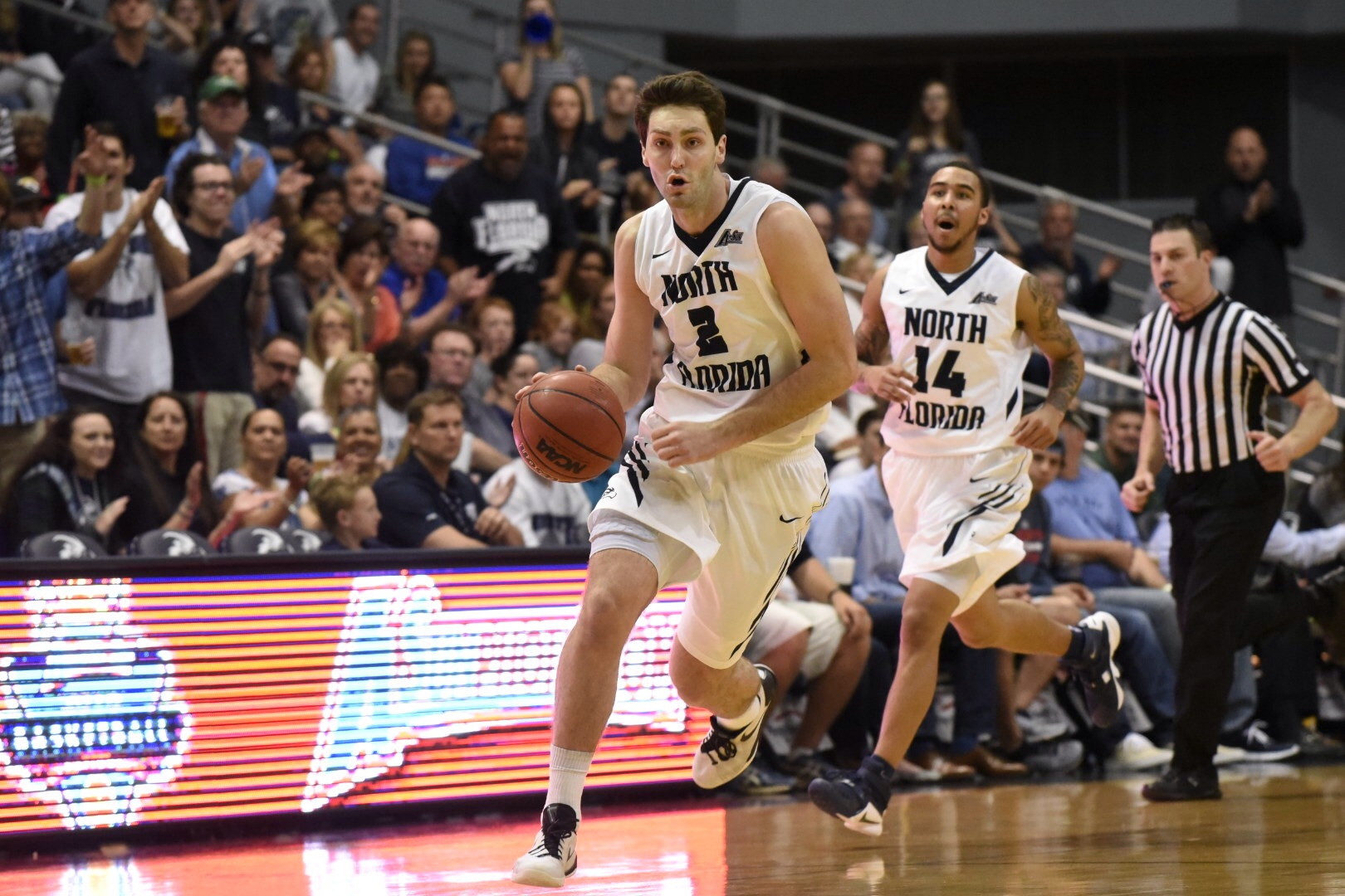 UNF basketball player