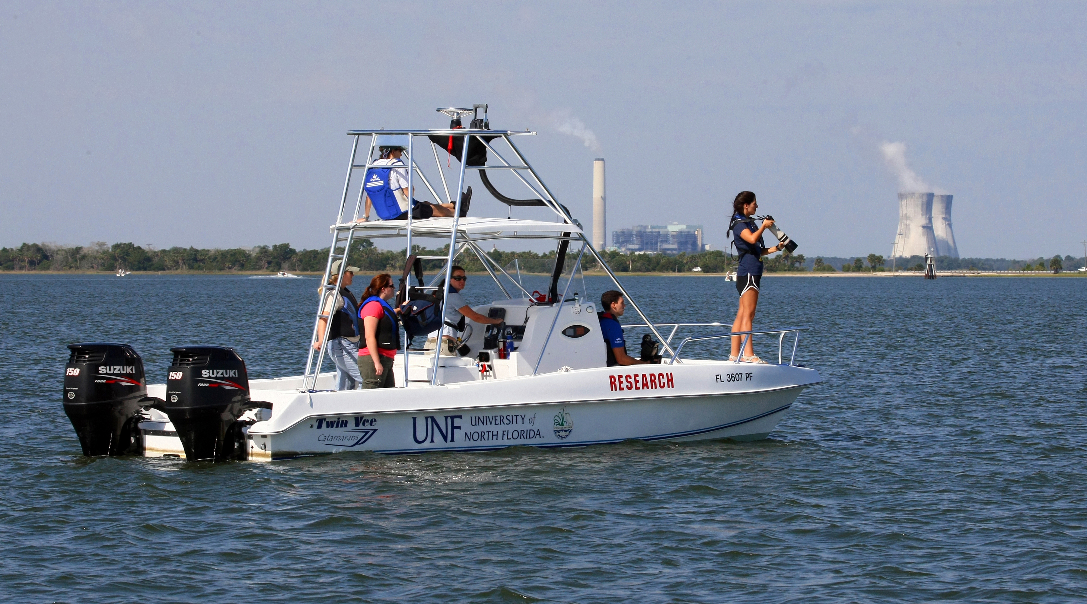 UNF Research Team and Vessel on St. Johns River